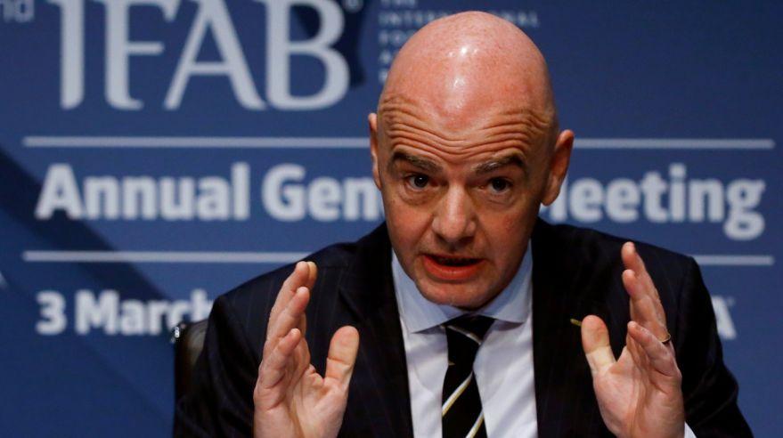 Prezident-FIFA-Gianni-Infantino - Superliga